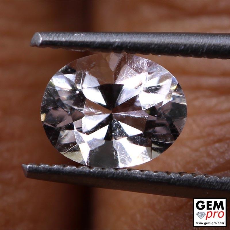 0.86 Carat Goshenite Blanche Gemme de Madagascar