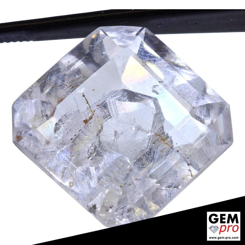 22.19 Carat Quartz avec Cristal négatif de Madagascar
