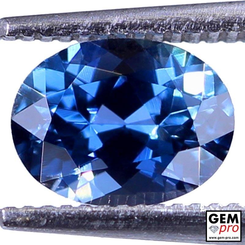 1.37 Carat Saphir Bleu Gemme de Madagascar
