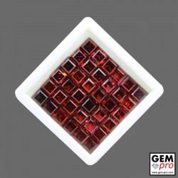 Lot de Greanat almandin composé de 36 pièces de forme carrée, calibré